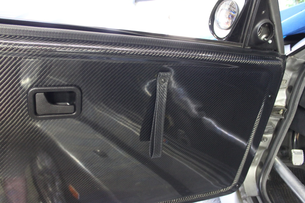 E30 Door Cards With The Same Brown As The Seat On The Inside Section And Black On The Outside
