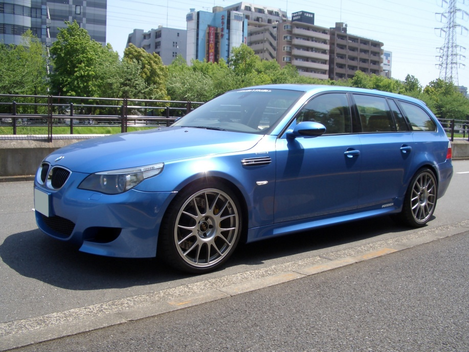 fuck yeah wagons bimmers bmw m5 touring e60. Black Bedroom Furniture Sets. Home Design Ideas